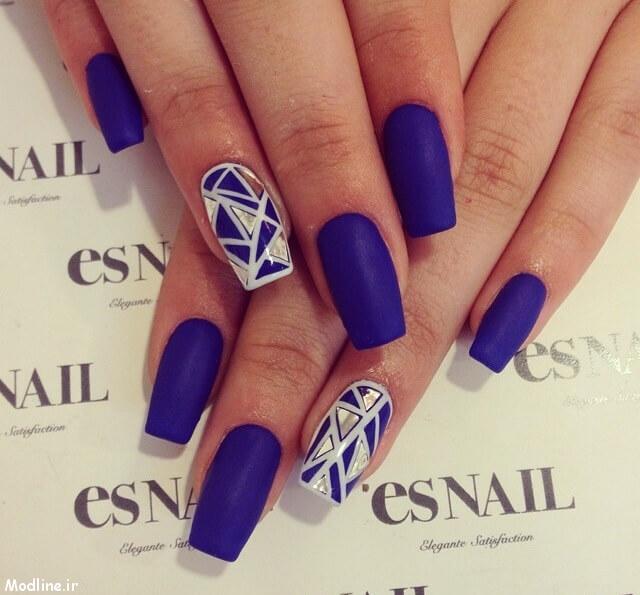04-blue-nail-polish