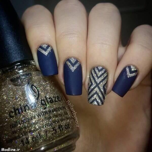 07-blue-nail-polish